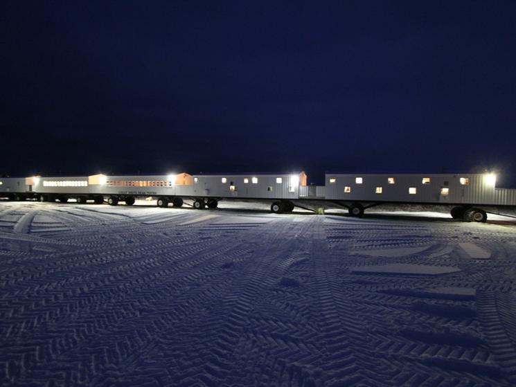 Tundra lodge at night %28c%29 alek komarnitsky