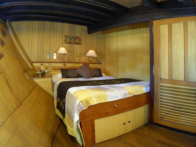 sea safari 8 travel cabin