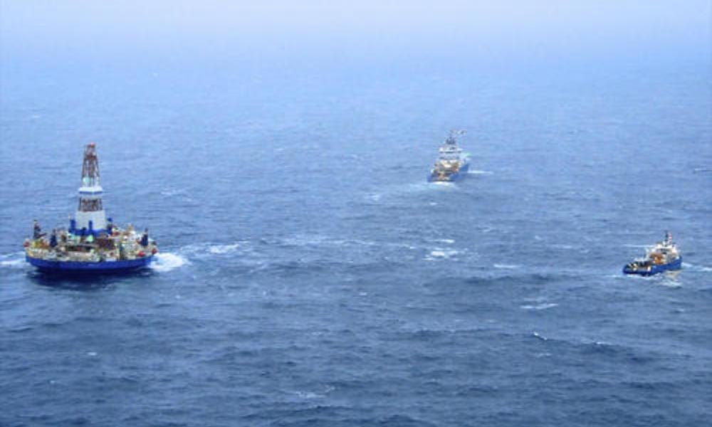 Rescue of Kulluk oil rig
