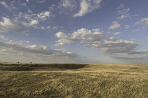 Charles M Russell National Wildlife Refuge, adjacent to WWF project site. Montana, Northern Great Plains, United States