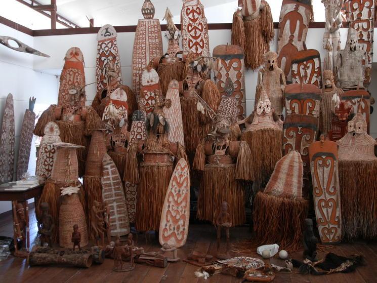 Agats museum cs metz 07 asmat wood carving