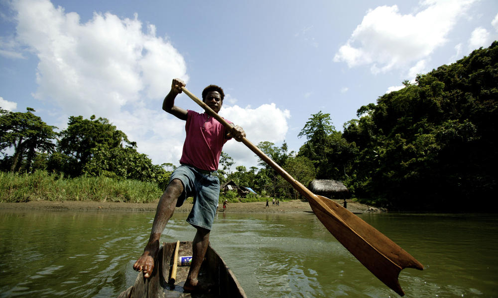 New guinea brent stirton getty images mid 112700